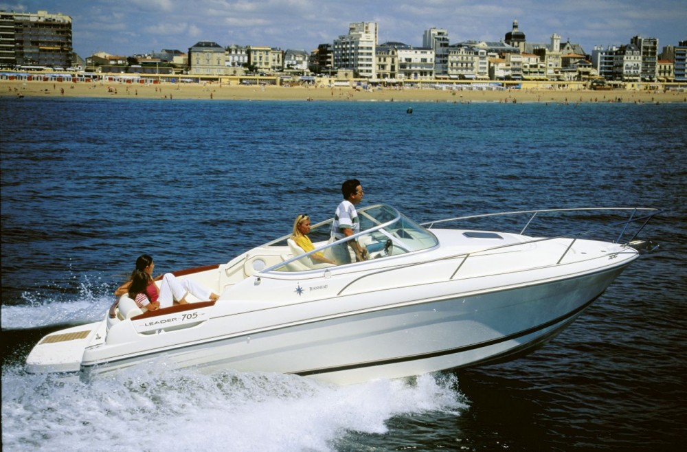 Boat rental Arcachon cheap Leader 705