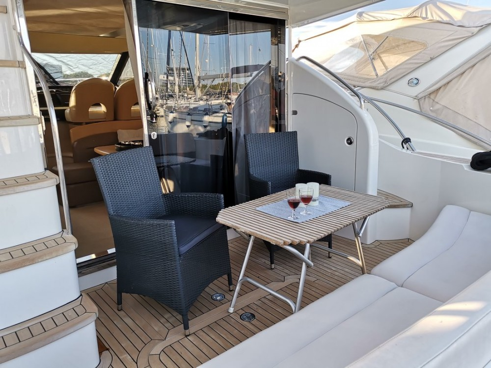 Verhuur Motorboot in Kroatië - Princess-Yachts Princess 42 Fly