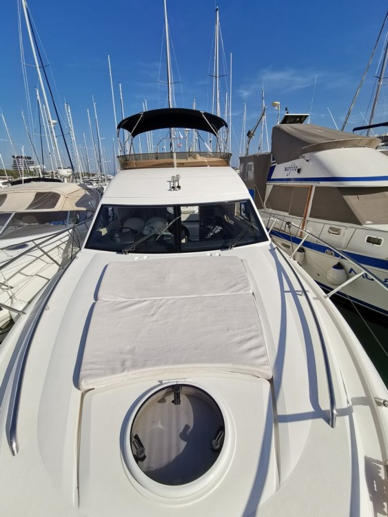 Bootverhuur Princess-Yachts Princess 42 Fly in Kroatië via SamBoat