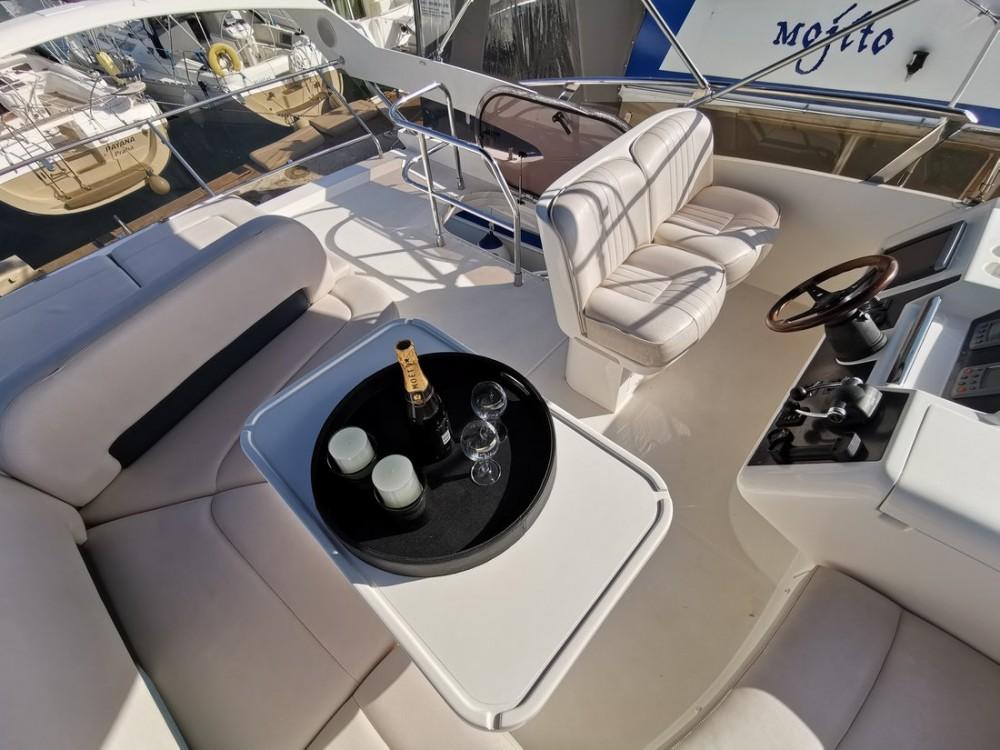 Huur een Princess-Yachts Princess 42 Fly in Kroatië
