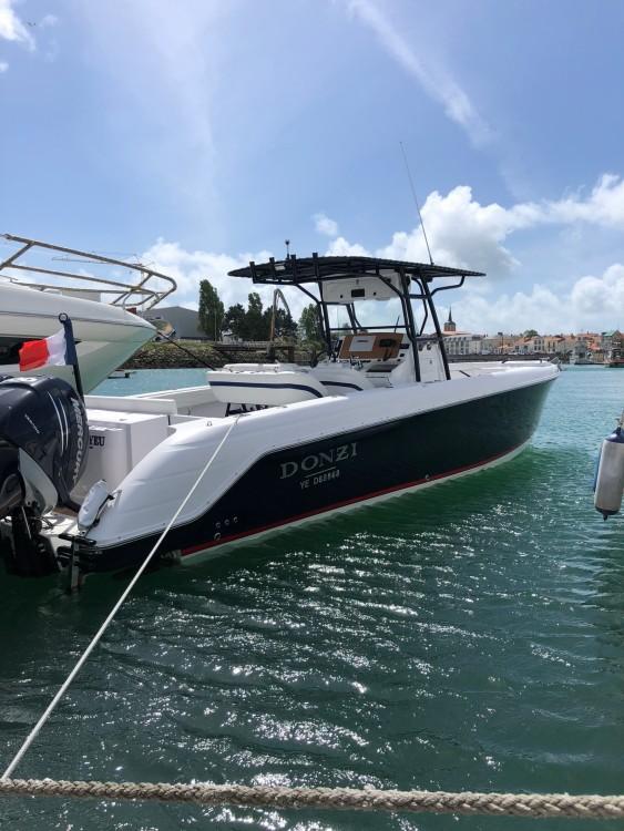 Location yacht à Les Sables-d'Olonne - DONZI 38 sur SamBoat