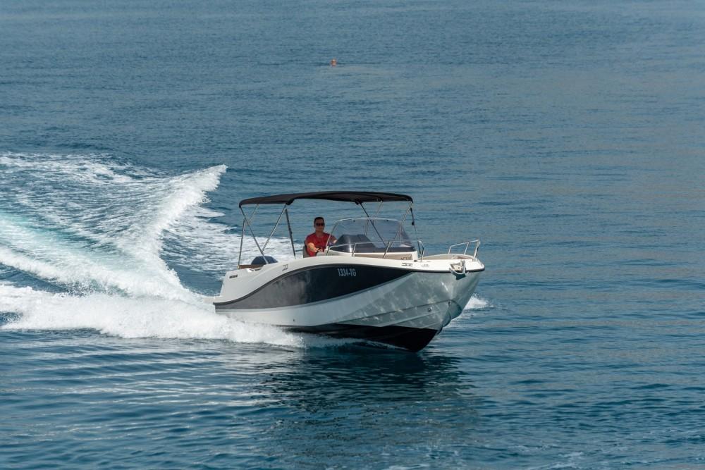 Location bateau Quicksilver Activ 755 Open à Trogir sur Samboat
