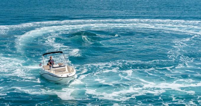 Location bateau Split pas cher Activ 605 Open