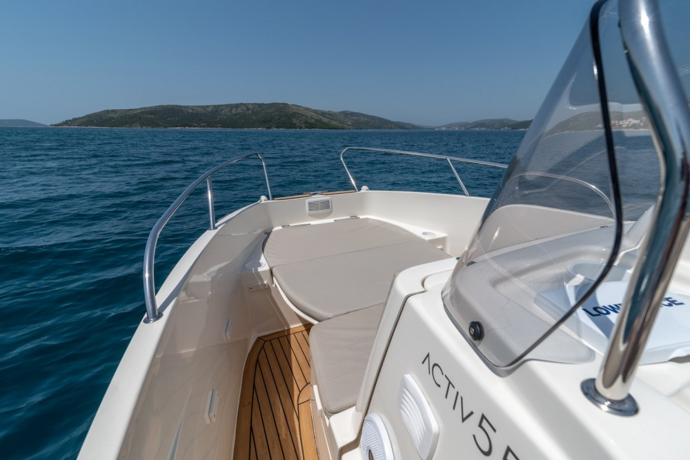 Quicksilver Activ 555 Open te huur van particulier of professional in Trogir