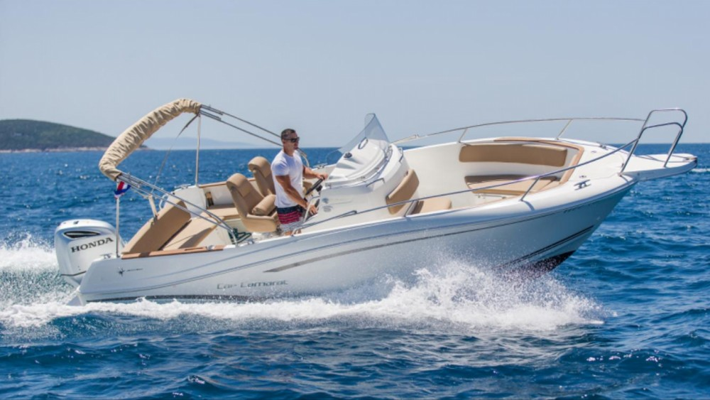 Noleggio barche Traù economico Cap Camarat 7.5 CC