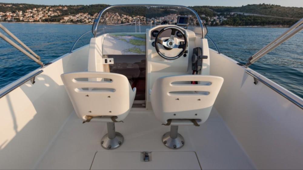 Verhuur Motorboot in Trogir - Jeanneau Cap Camarat 555
