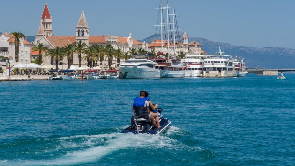 Rental yacht Trogir - Yamaha VX DeLuxe on SamBoat