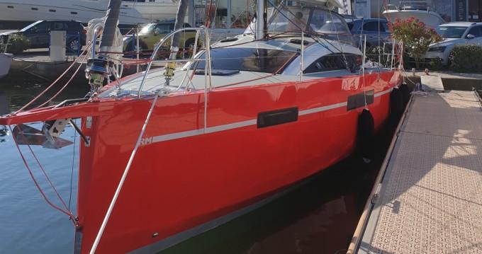 Fora Marine RM1070 entre particuliers et professionnel à Port-Camargue