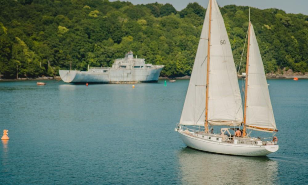 Zeilboot te huur in Brest voor de beste prijs