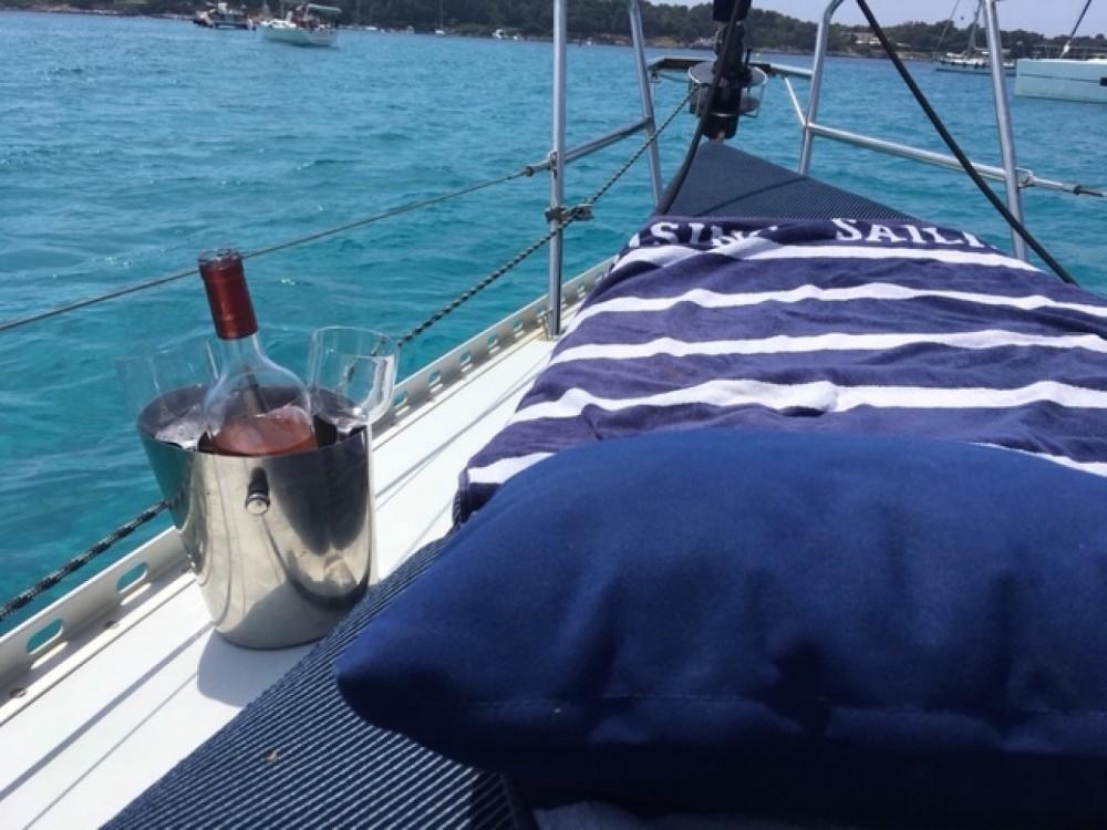 Rental yacht Cannes - Kirie Feeling 326 on SamBoat