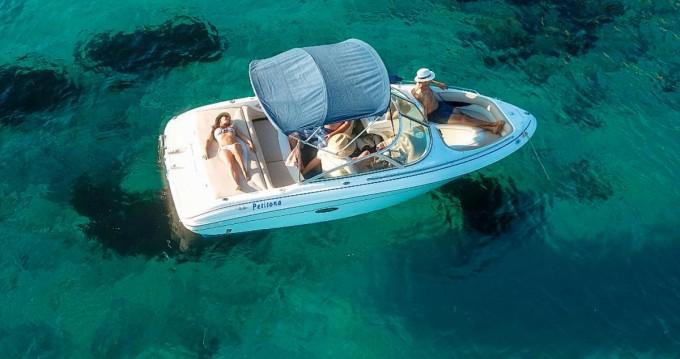 Louer Bateau à moteur avec ou sans skipper Sea Ray à La Savina