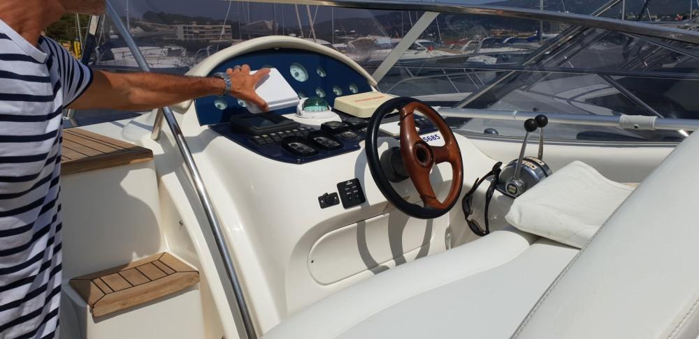 Location Bateau à moteur Rio Yachts avec permis