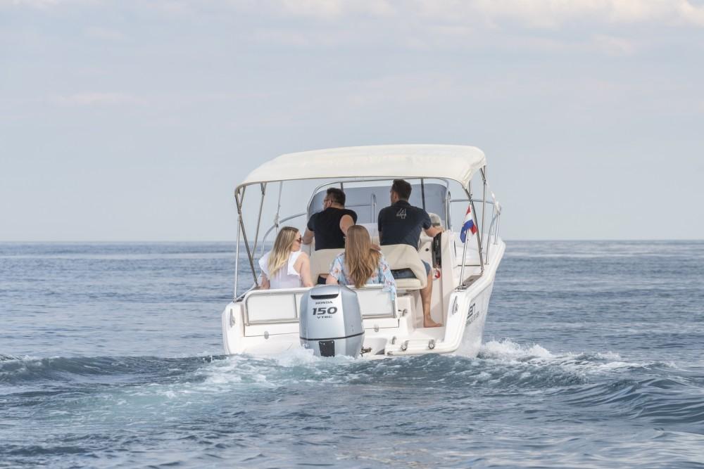 Location bateau Elan Fishing 650 Cabin  à Zadar sur Samboat