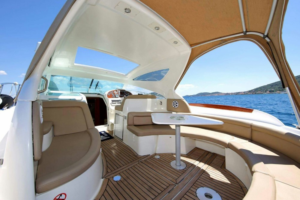 Bootverhuur Jeanneau Prestige 34 in Zadar via SamBoat