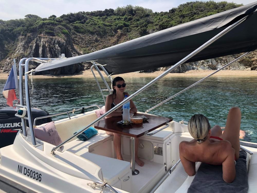 Location bateau Hyères pas cher Zar 75 Suite