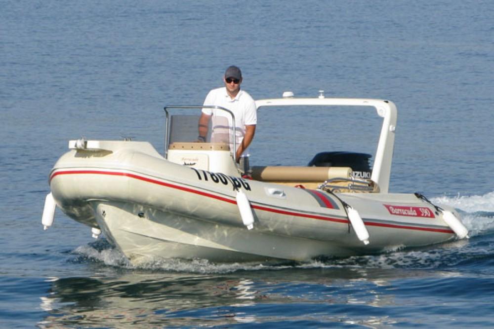 Louer Semi-rigide avec ou sans skipper Barracuda à Biograd na Moru