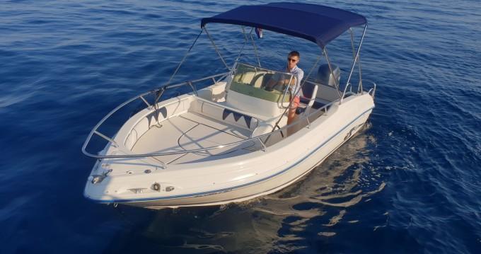 Louer Bateau à moteur avec ou sans skipper Rancraft à Opatija