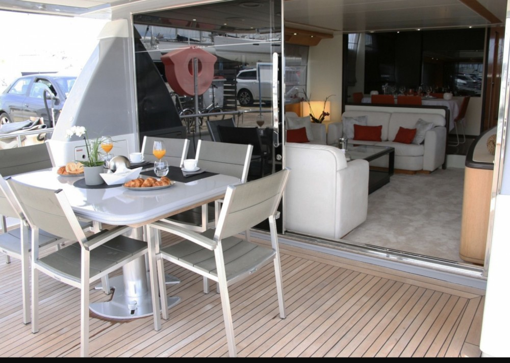 Boat rental San Lorenzo San Lorenzo 72 in Cannes on Samboat