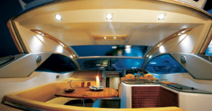 Louez un Sessa Marine C46 à Antibes