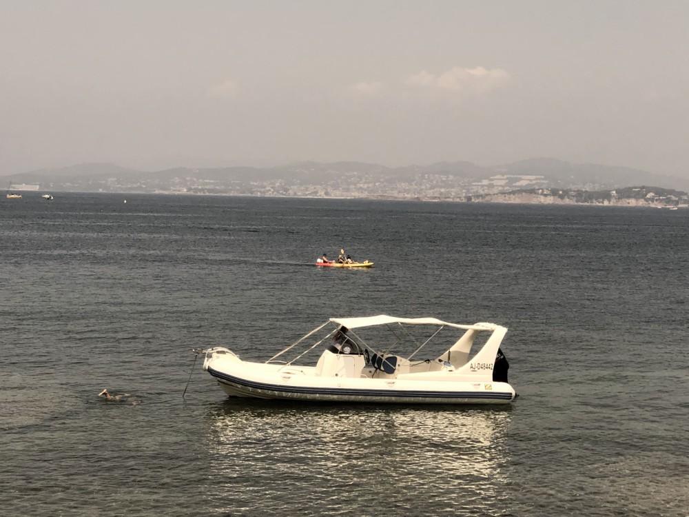 Location bateau Zodiac Medline 3 à Six-Fours-les-Plages sur Samboat