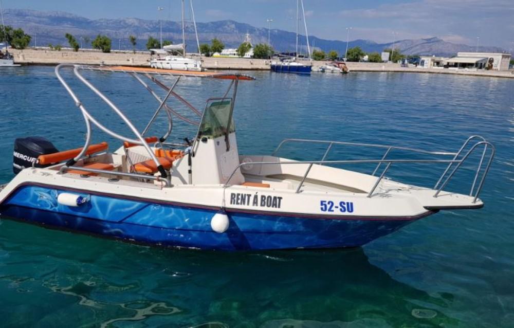 Location bateau Supetar pas cher Fisherman 20 CC