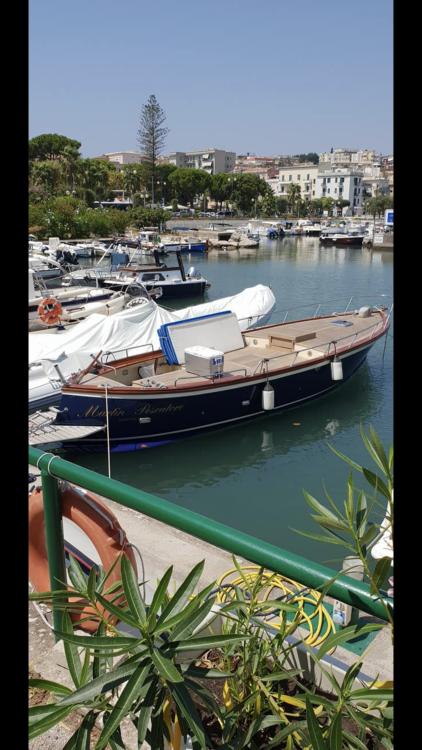 Louer Bateau à moteur avec ou sans skipper Apreamare à Gaeta