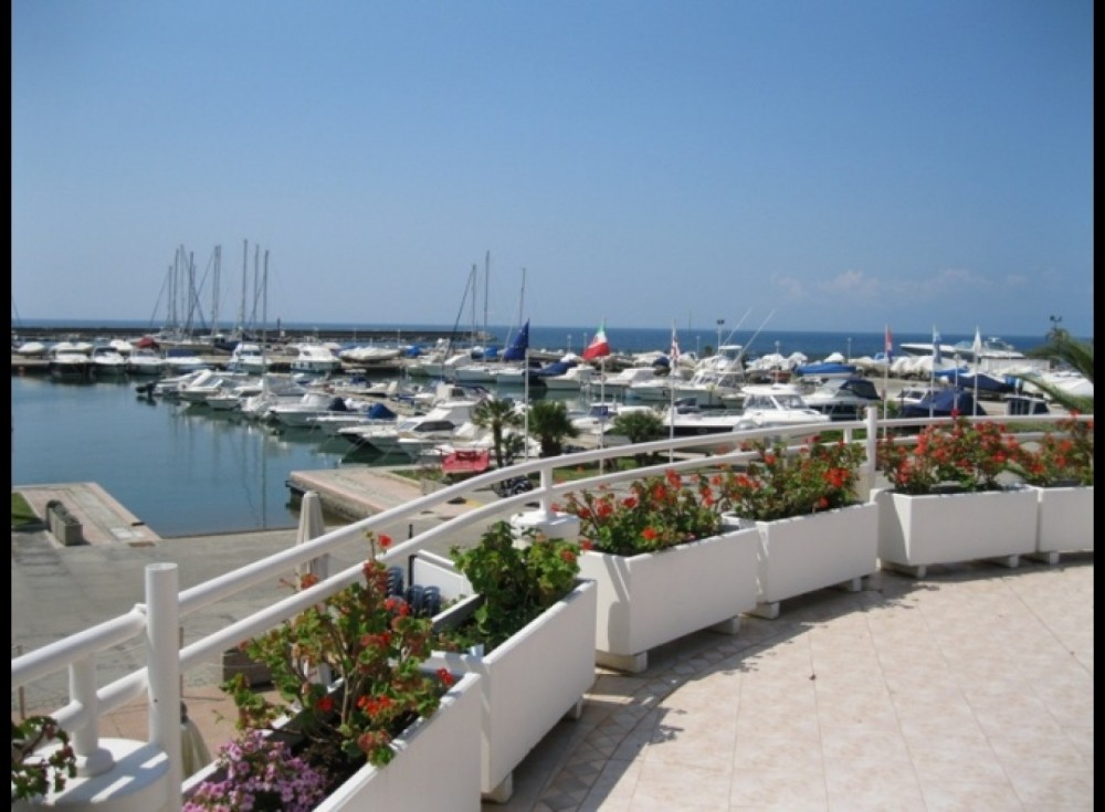 Hire Sailboat with or without skipper Bavaria Quartu Sant'Aleni/Quartu Sant'Elena
