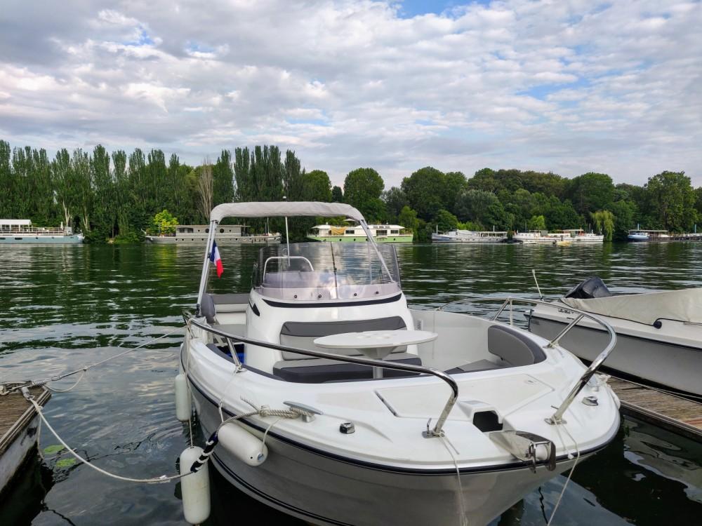 Bootverhuur Jeanneau Cap Camarat 6.5 CC Serie 3 in Parijs via SamBoat