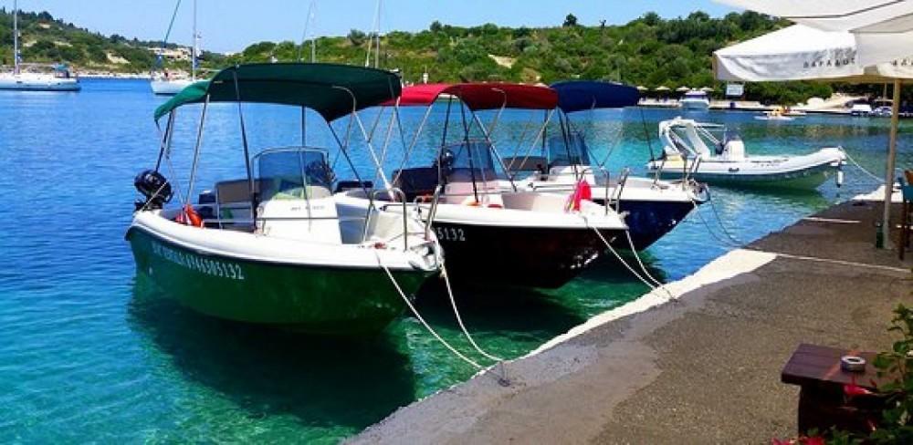 Poseidon Bluewater 480 entre particuliers et professionnel à Parga