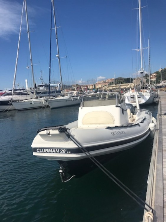 Joker Boat Clubman 28 between personal and professional Porto-Vecchio