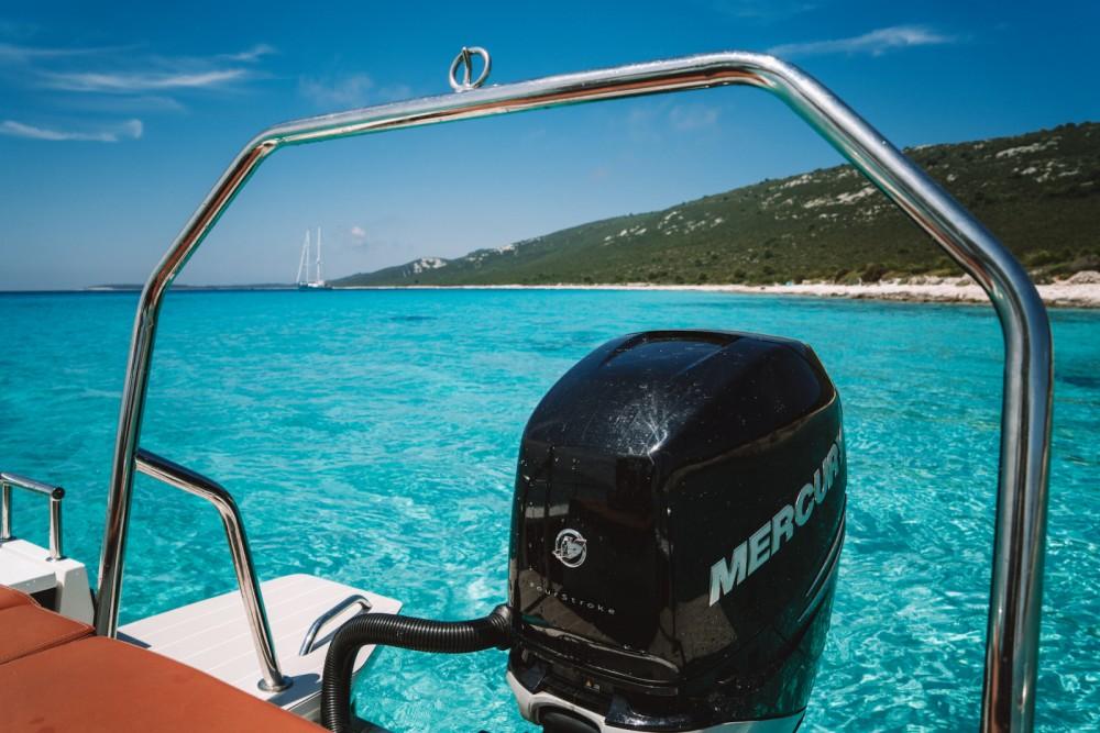 Axopar 28 T-Top entre particuliers et professionnel à Grad Zadar
