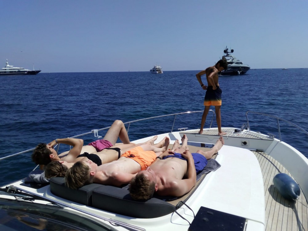 Motor boat for rent Nice at the best price