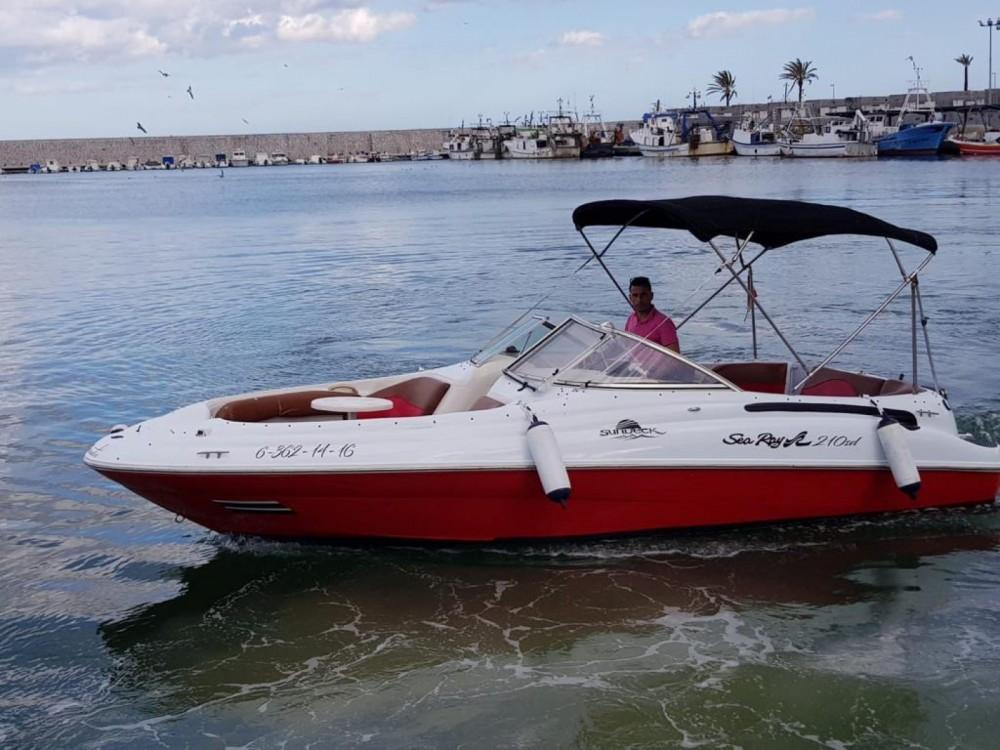 Louez un Sea Ray 210 SD à Puerto Deportivo de Marbella