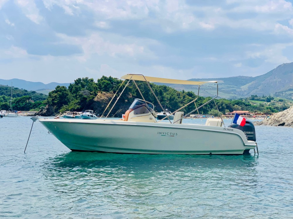 Rental Motor boat Invictus  with a permit