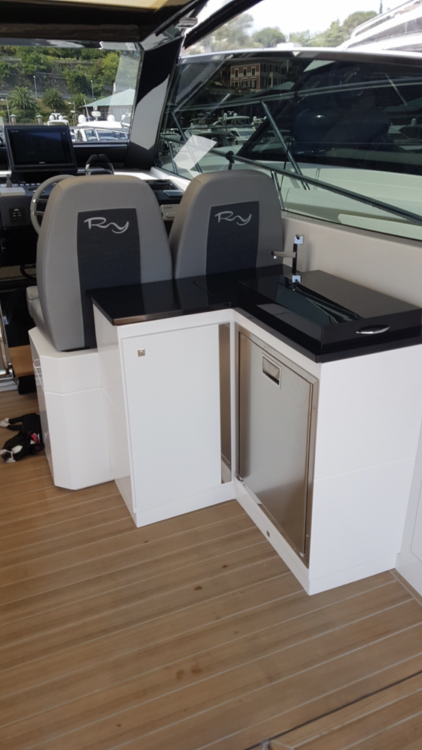 Rental Motor boat Rio Yachts with a permit