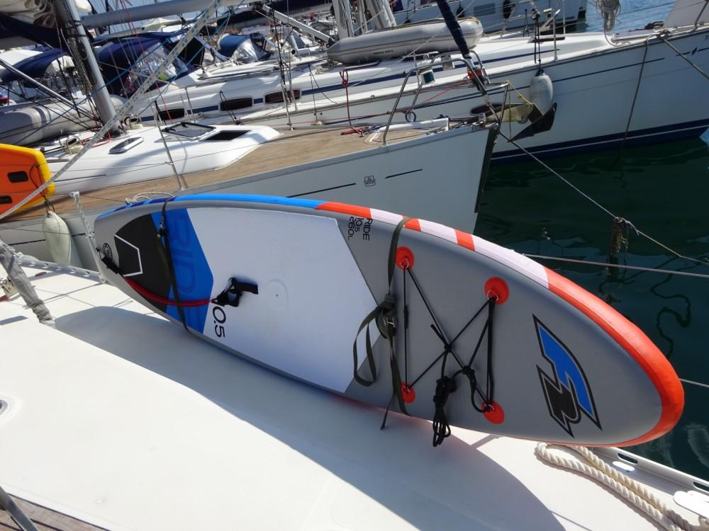 Location bateau Dromor Triton 48 à Marína sur Samboat