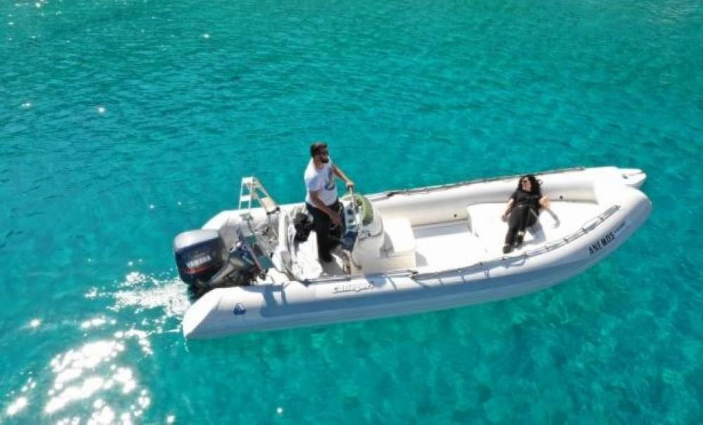 Louer Semi-rigide avec ou sans skipper Rib à Chóra Sfakíon