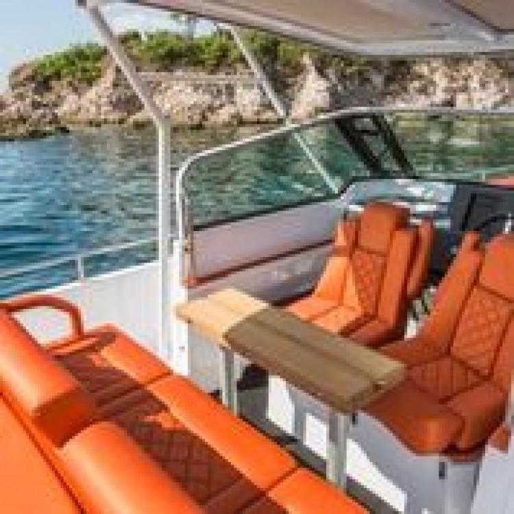Location bateau Axopar 28 T-Top à Furnari sur Samboat