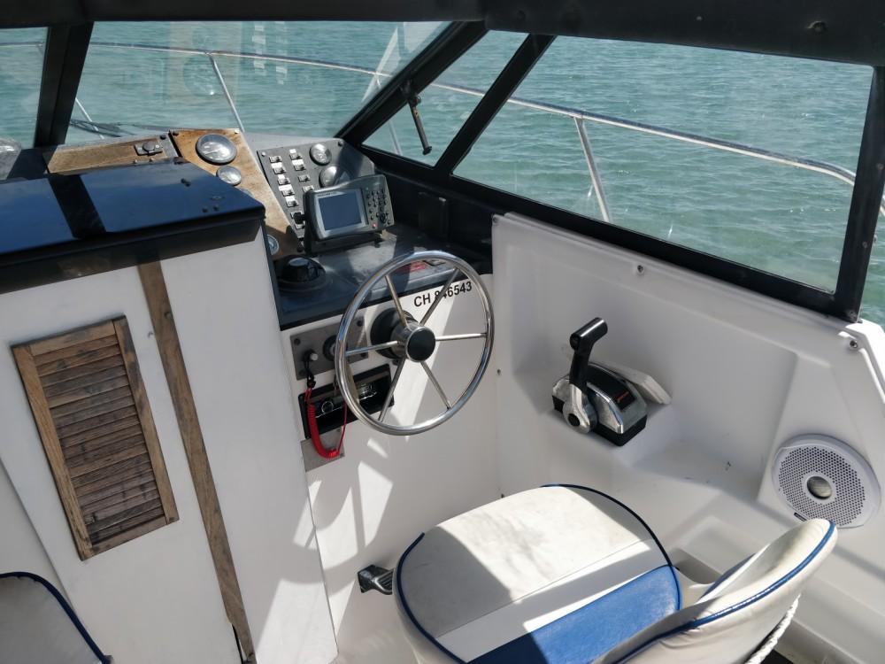 Bateau Fishing 7m50 cabine