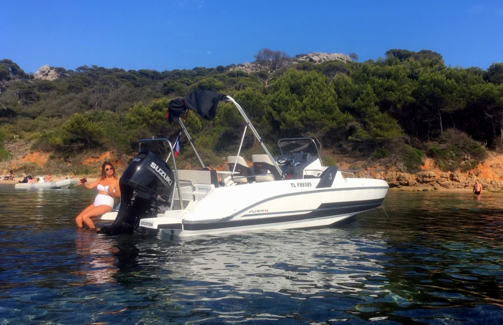 Hire Motor boat with or without skipper Bénéteau Toulon