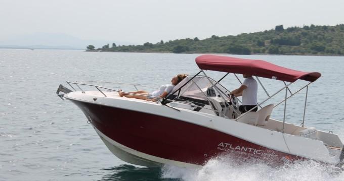 Louer Bateau à moteur avec ou sans skipper Atlantic à Vodice