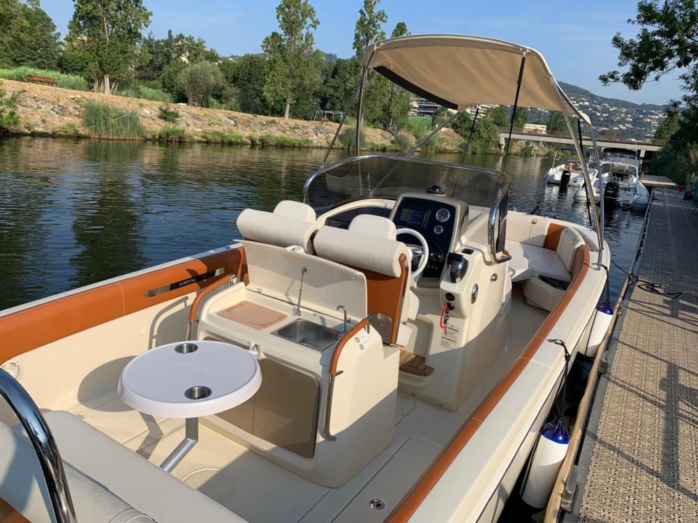 Location yacht à Mandelieu-la-Napoule - Invictus  FX 270 sur SamBoat