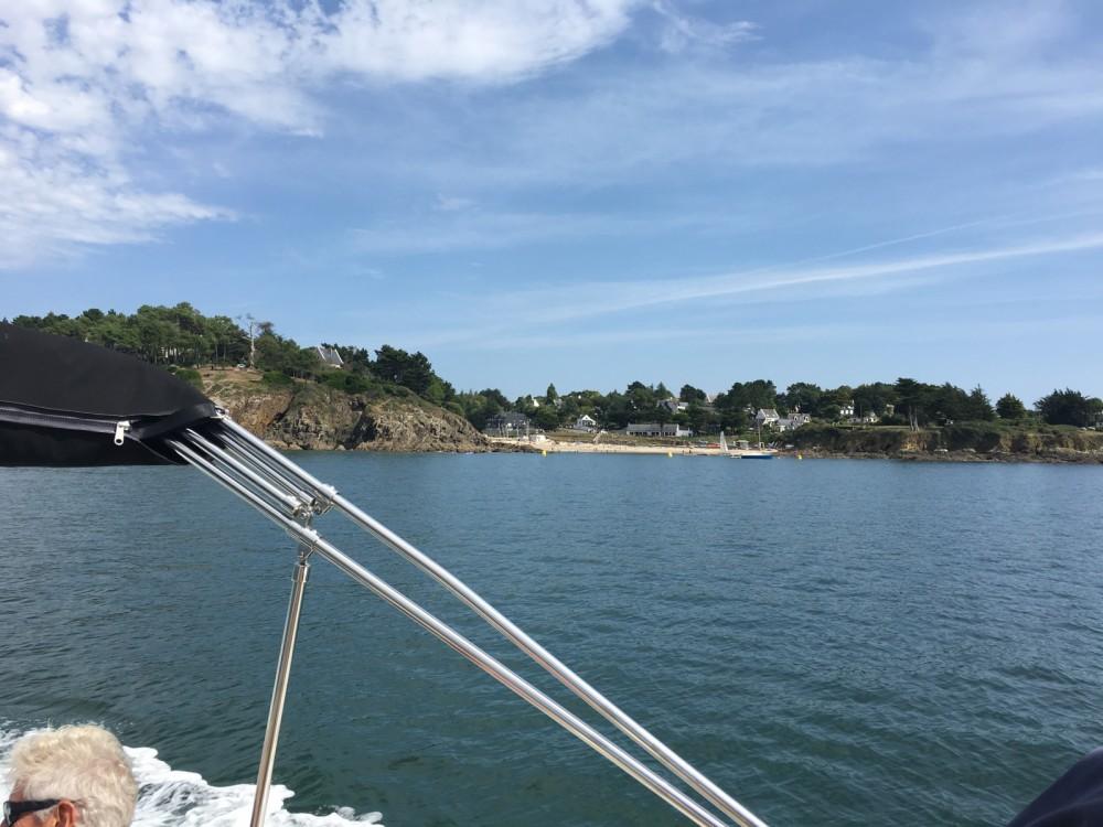 Location bateau La Forêt-Fouesnant pas cher Quicksilver 805 Sundeck