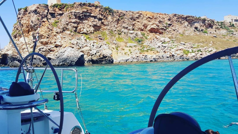 Hire Sailboat with or without skipper Bénéteau Sliema