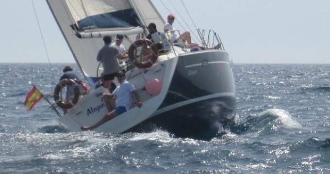 Location bateau Garraf pas cher Oceanis 393 Clipper