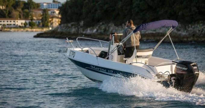 Louer Bateau à moteur avec ou sans skipper Marine à Vrsar-Orsera