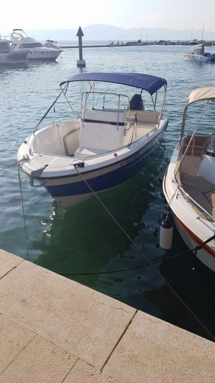 Location bateau Malinska pas cher Fishing 650 Cabin