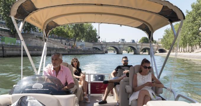Bateau à moteur à louer à Paris au meilleur prix
