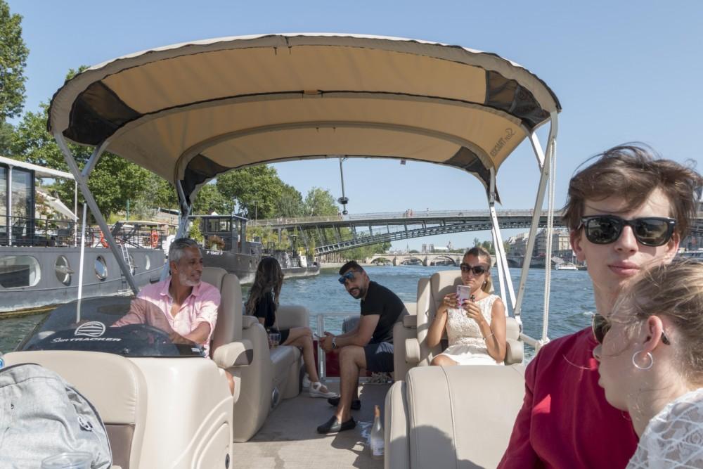 Motorboot mieten in Paris - Suntracker Party Barge 24