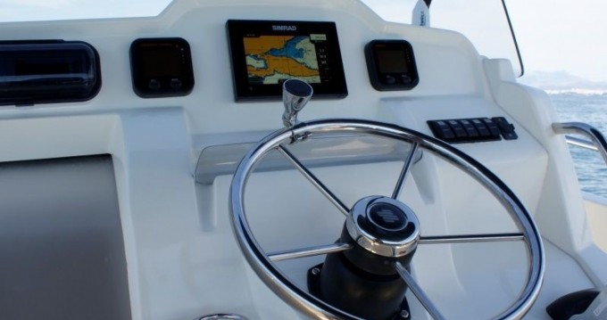 Location bateau Jeanneau Cap Camarat 7.5 CC à Trogir sur Samboat